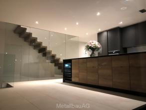 caso-glastrennwand-treppe
