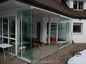 ganzglasanlage-offen